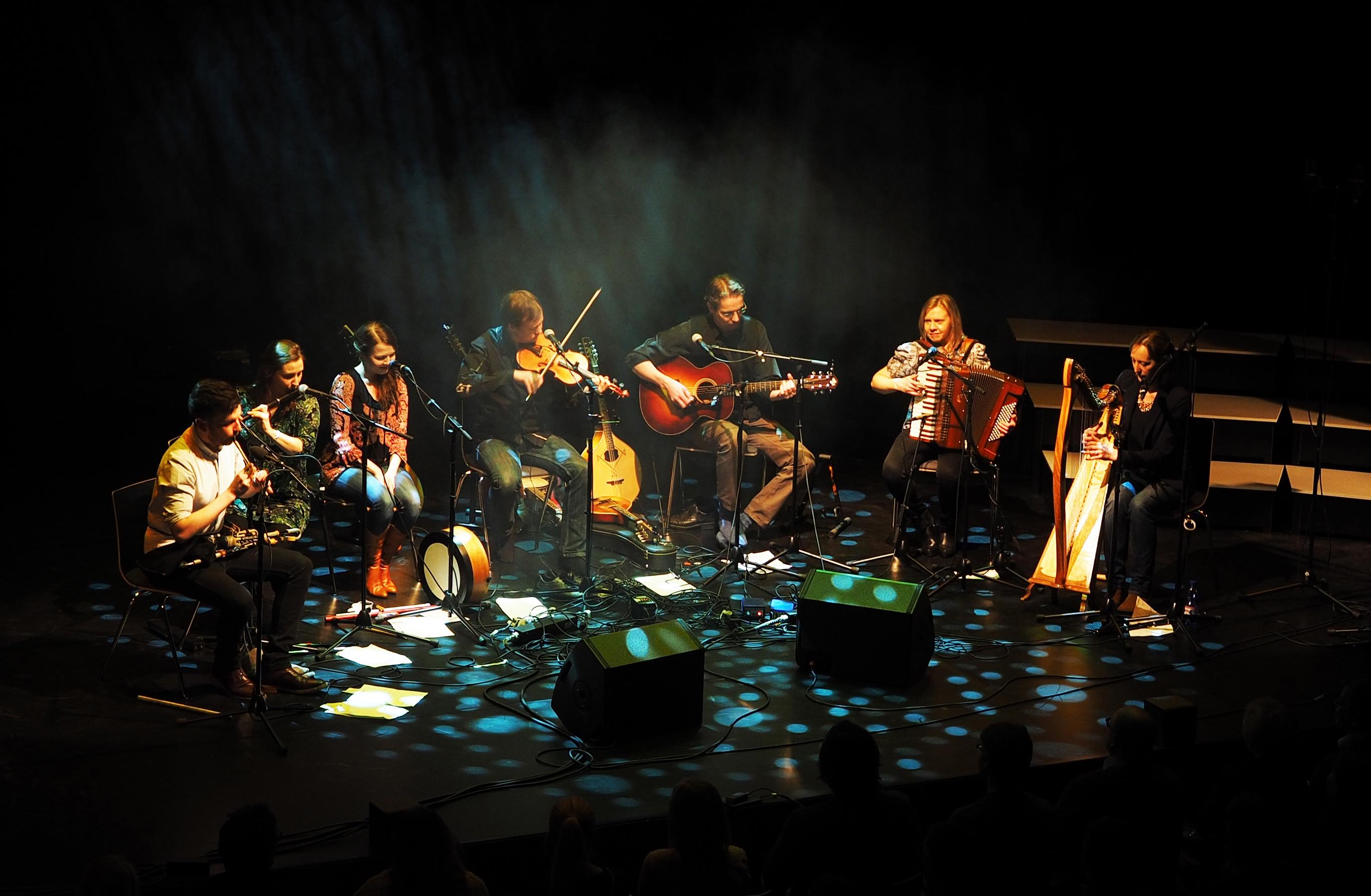 Eala esiintyy Kangasala Irish Festivalilla huhtikuussa 2019.