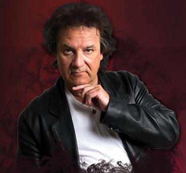 Jacke Brörklundin stand up -show Kangasala-talossa