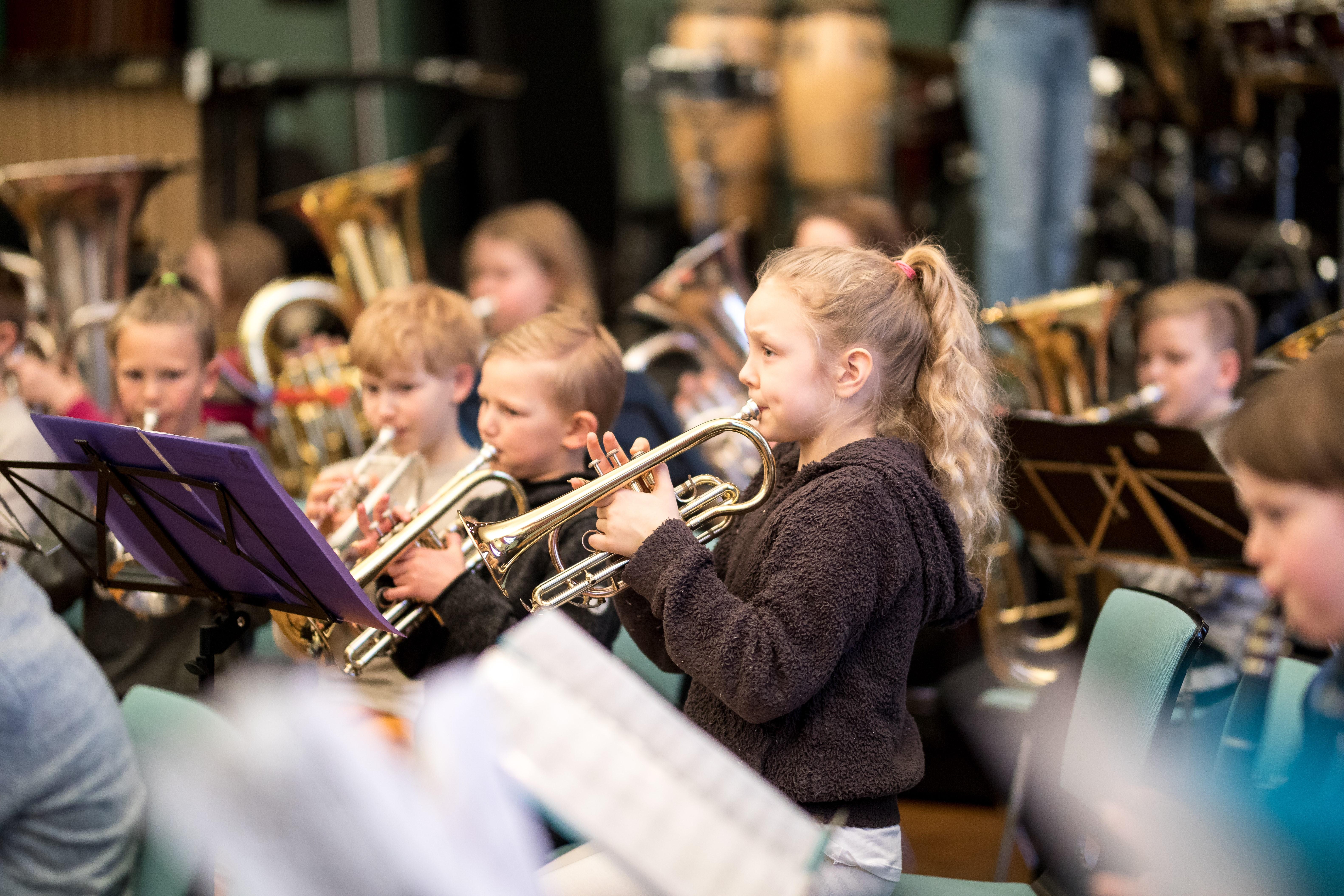 Pirkanmaan musiikkiopiston oppilaiden puhallinorkesteri Windus II esiintyy