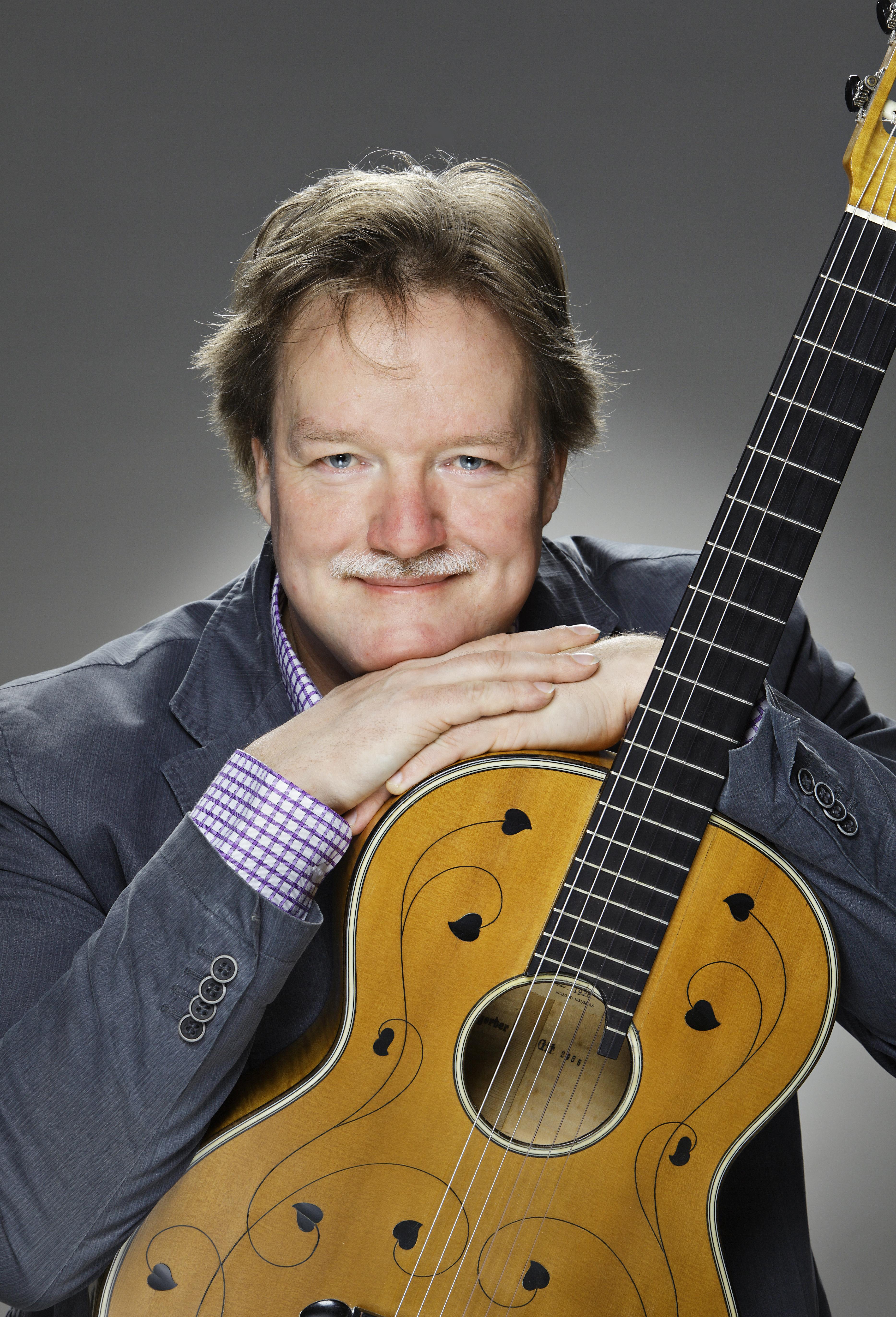 Kitaristi Timo Korhonen konsertoi Kangasala-talossa Tampere Guitar Festivalilla 2019.