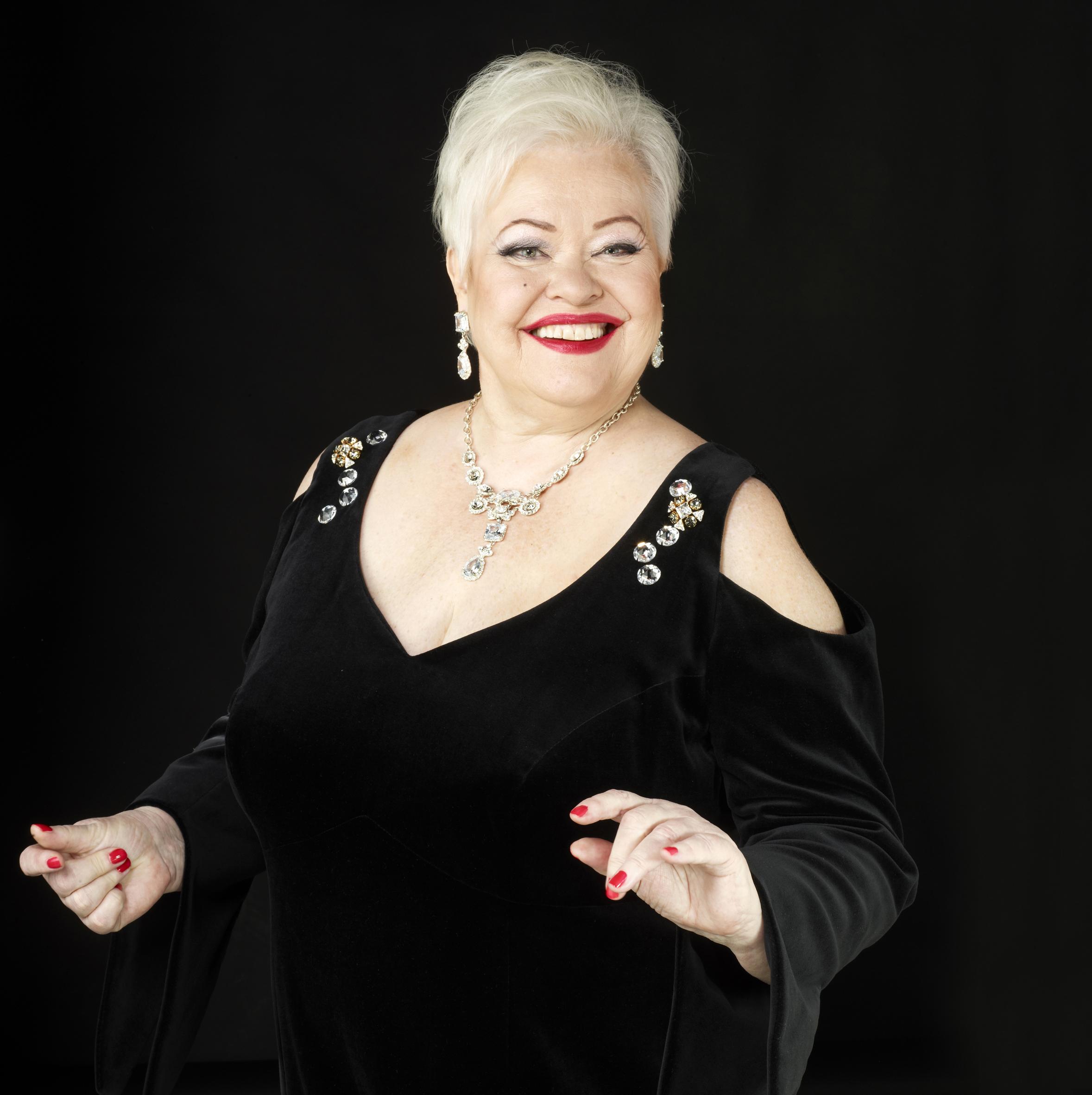 Anneli Saaristo esiintyy Kangasala-talossa syksyllä 2019.