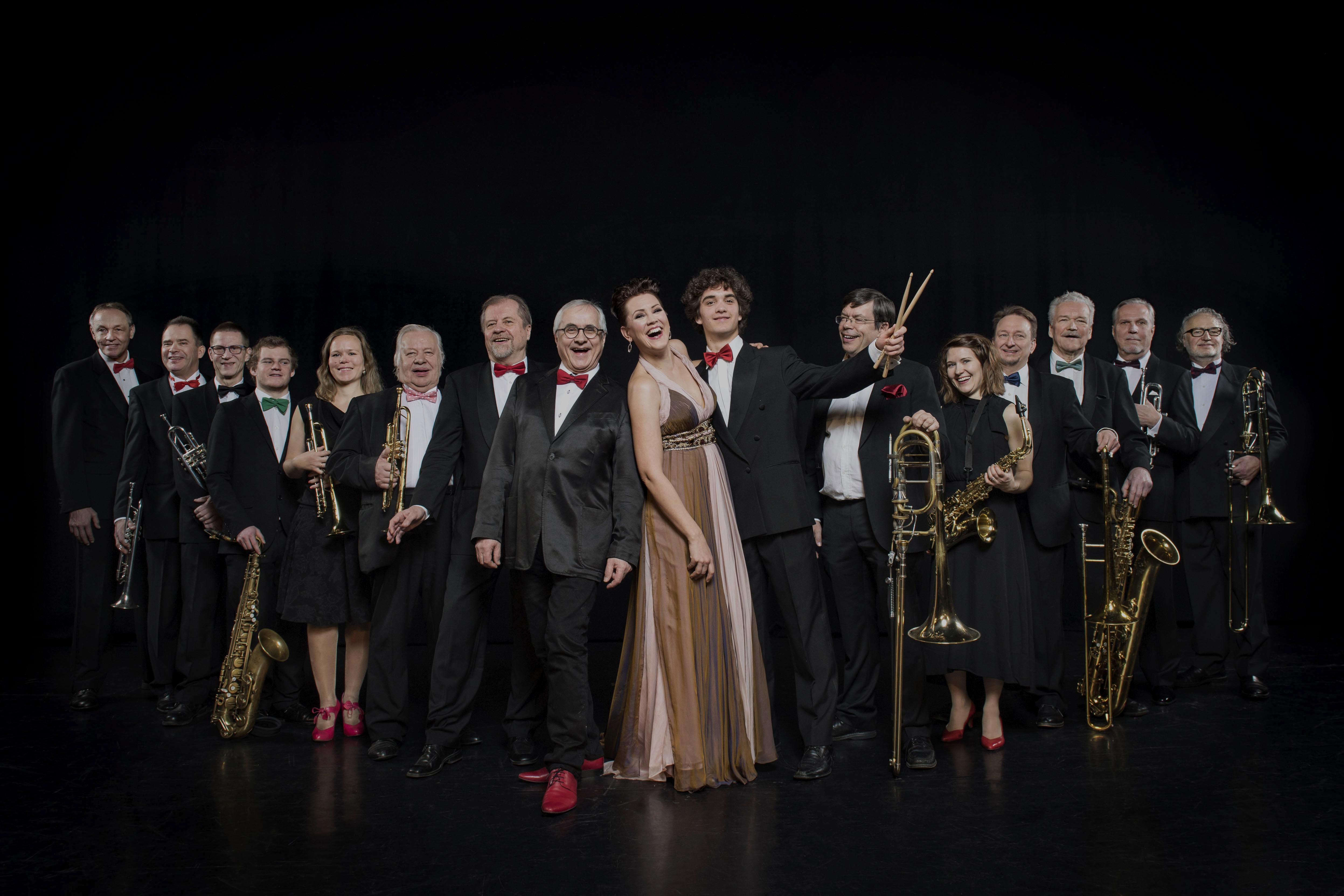 Mari Palo ja Tapiola Big Band konsertoivat Kangasala-talossa