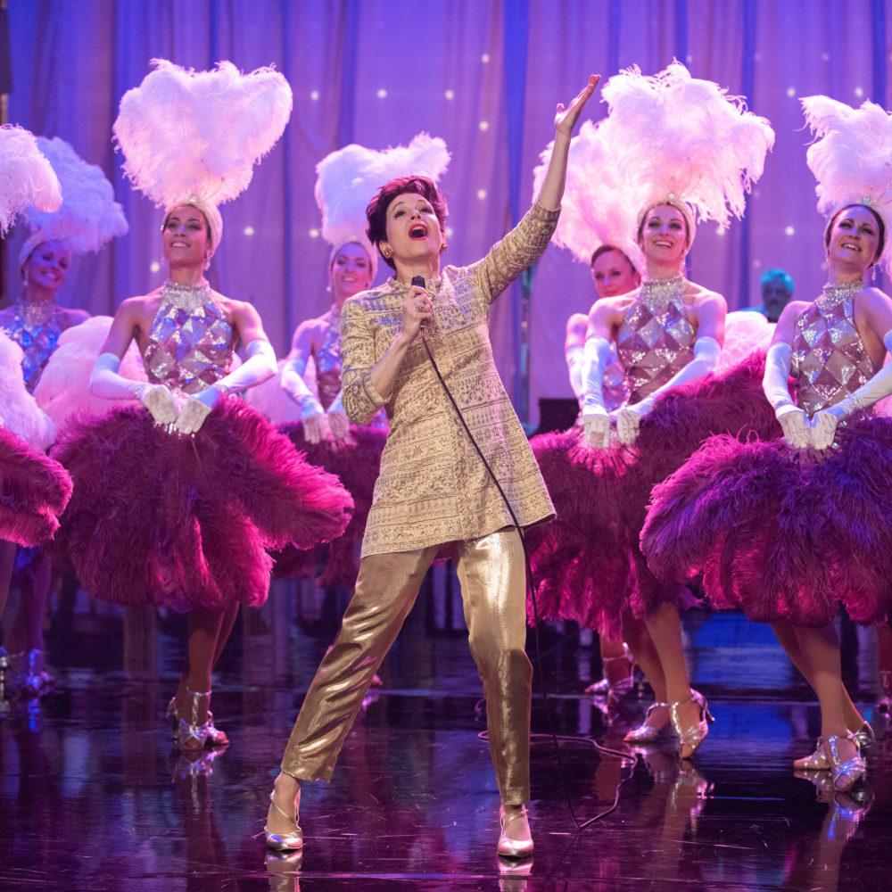 Laulaja ja näyttelijä Judy Garlandista kertova elokuva Judy Kangasala-talon K-Kinossa marraskuussa 2019.