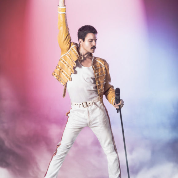 Queen-yhtyeen musiikkiin perustuva spektaakkeli Show Must Go On Kangasala-talossa helmikuussa 2020.