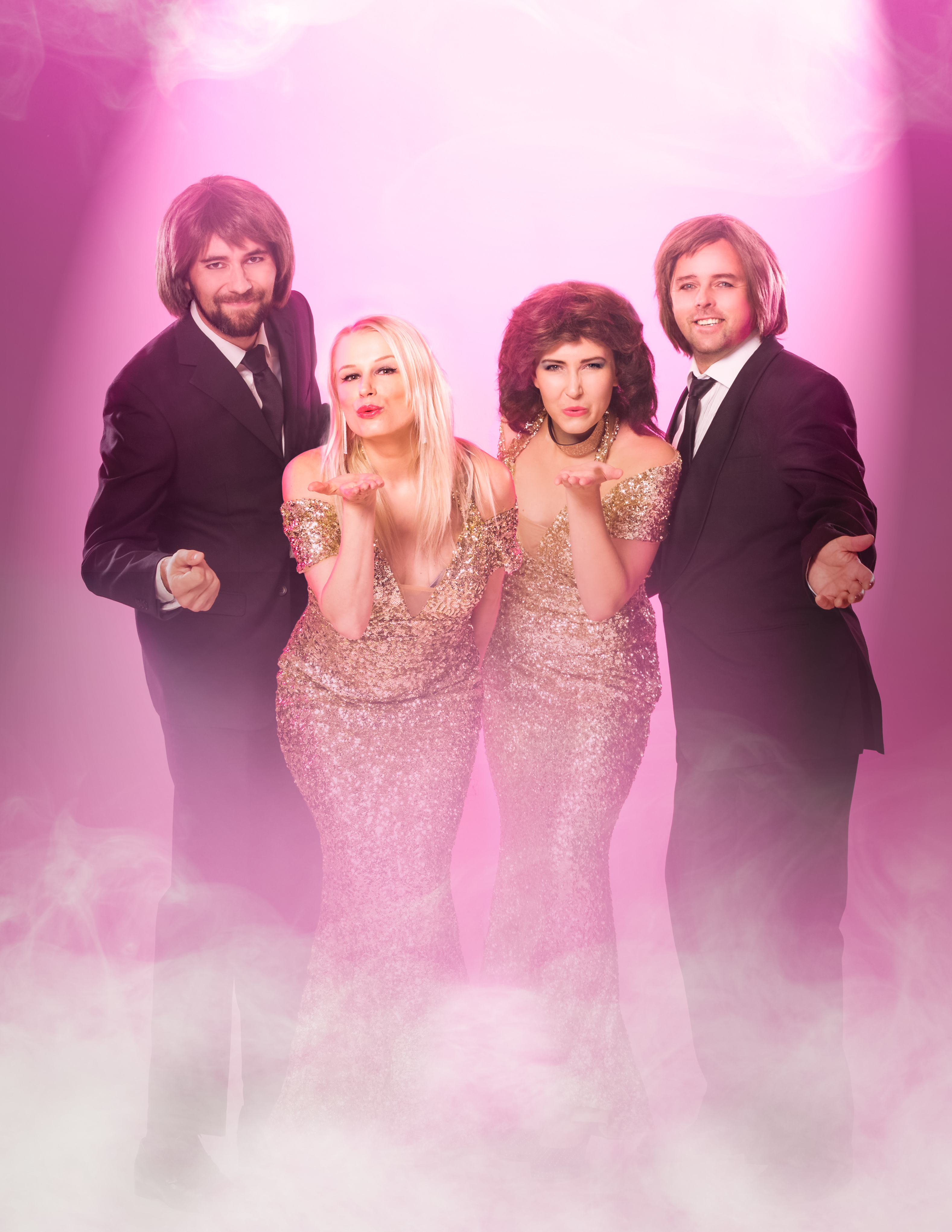 Golden ABBA Show tarjoilee kimallusta, upeaa koreografiaa ja ajatonta diskopoppia Kangasala-talossa joulukuussa 2020.
