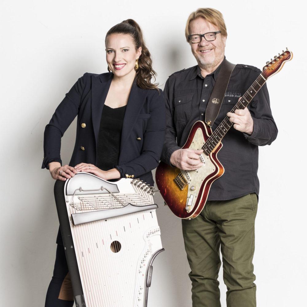 Popkanteletar Ida Elina ja blueskitaristi-laulaja Heikki Silvennoinen tuovat yhdessä Kangasala-taloon täysin uudenlaisia musiikkielämyksiä lokakuussa 2020.