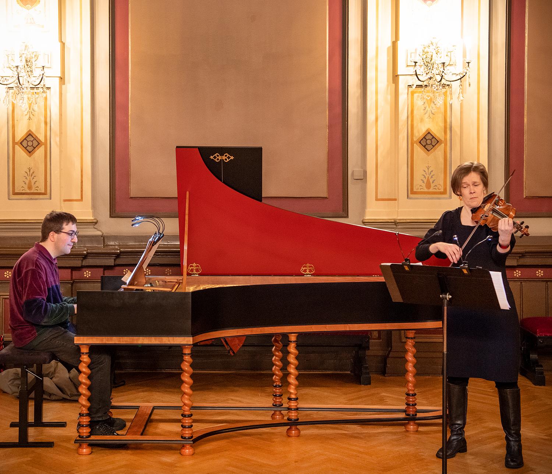 Bachin perheen musiikki ja huipputason saksalaistyyppinen cembalo soivat Kangasala-talossa 10.11.2020.