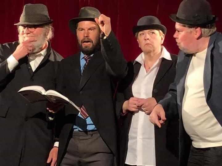 Vehkajärven Teatteri: Päällystakki